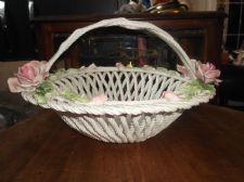 VINTAGE MAJOLICA BASSANO ITALIAN ART POTTERY LATTICE BASKET RAISED PINK ROSES